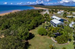 Sea Eagles Beach Resort | Beach Side Accommodation Mackay Hay Point